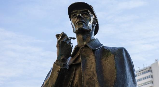 Sherlock Statue